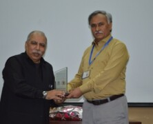 Forman Pharmaceutical Society organizes talk on Circle of Excellence